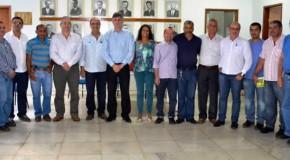Teté recebe equipe responsável pela construção do IFET Manhuaçu